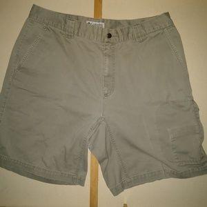 Columbia Size 38 Shorts